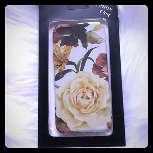 Accessories - NWT IPhone 8 7 rose flower case